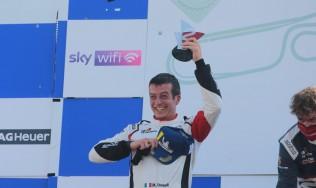 A Vallelunga Max Donzelli stupisce tutti nella Carrera Cup Italia con la GDL Racing